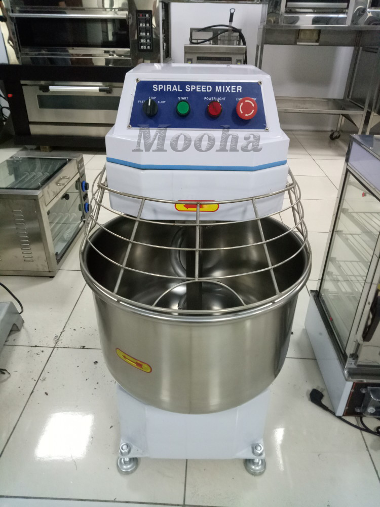 Commercial 68 Liters Double Speed Spiral Dough Mixer Flour Kneading Equipment Bread Toast Baguette Making Machine Bakery Equipment